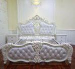 Tempat Tidur Luxury Duco Putih